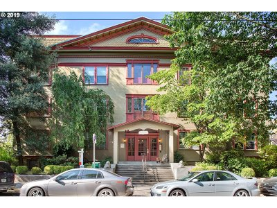 Portland Condo/Townhouse For Sale: 2129 NW Northrup St #11