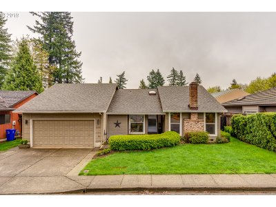 Milwaukie Single Family Home For Sale: 12392 SE 43rd Ave