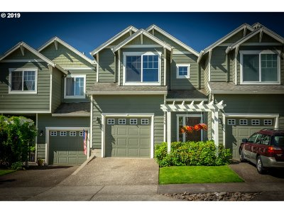 West Linn Single Family Home For Sale: 20276 Hoodview Ave