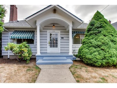 Portland Single Family Home For Sale: 7114 SE 17th Ave