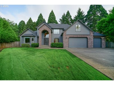 Keizer Single Family Home For Sale: 749 Crystal Springs Ln