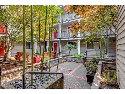 Condo/Townhouse For Sale: 6600 SE Division St #202