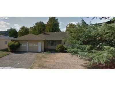 Salem Single Family Home For Sale: 663 Illinois Ave
