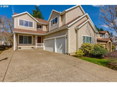 Tigard Single Family Home For Sale: 12201 SW Hollow Ln
