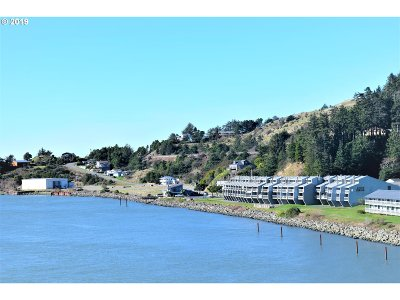 Gold Beach Condo/Townhouse For Sale: 94304 Wedderburn Lp Rd #437