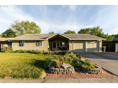Hermiston Single Family Home For Sale: 845 W Division Ave