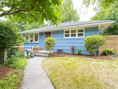 Portland Single Family Home For Sale: 9039 SW 17th Ave
