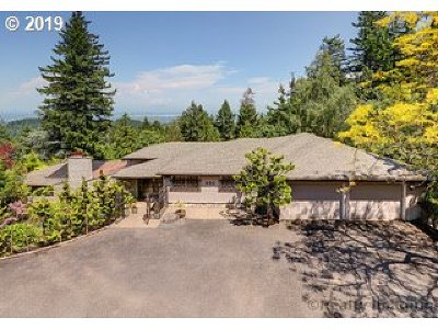 Portland Single Family Home For Sale: 460 NW Greenleaf Rd