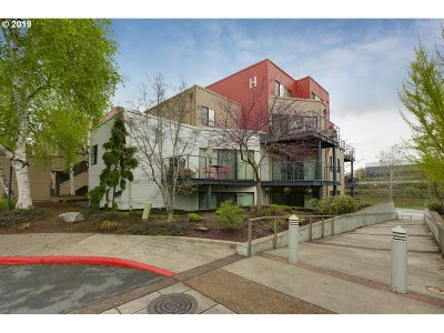 Portland Condo/Townhouse For Sale: 840 NW Naito Pkwy #H7