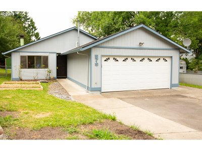 Portland Single Family Home For Sale: 5915 SW 54th Ave
