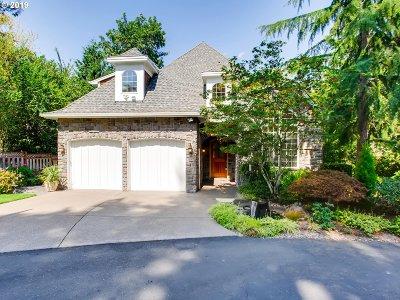Lake Oswego Single Family Home For Sale: 2445 Glenmorrie Dr