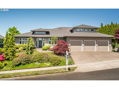 Single Family Home For Sale: 2433 NW Pinnacle Dr