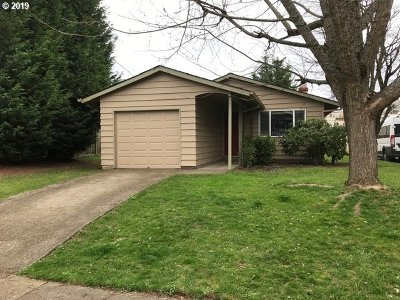 Clackamas County, Multnomah County, Washington County Single Family Home For Sale: 3736 N Massachusetts Ave