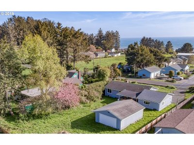 Brookings Single Family Home For Sale: 15567 Oceanview Dr
