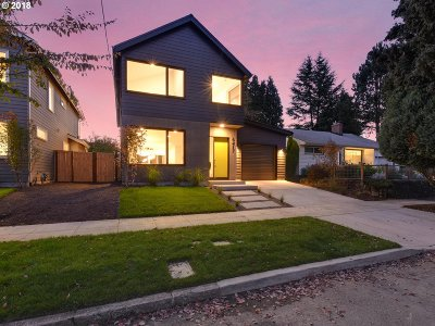 Portland Single Family Home For Sale: 6417 NE 35th Pl