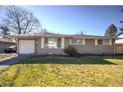 Multnomah County Single Family Home For Sale: 15308 SE Hawthorne Ct