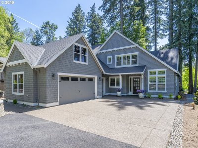 Lake Oswego Single Family Home For Sale: 4620 SW Dogwood Dr
