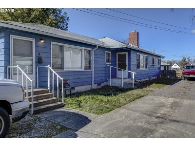 Medford Single Family Home For Sale: 1154 W Eighth St