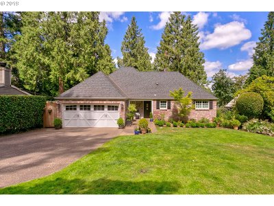 Lake Oswego Single Family Home For Sale: 17283 Blue Heron Rd
