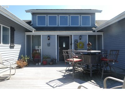 Gold Beach Single Family Home For Sale: 94030 Bayview Dr