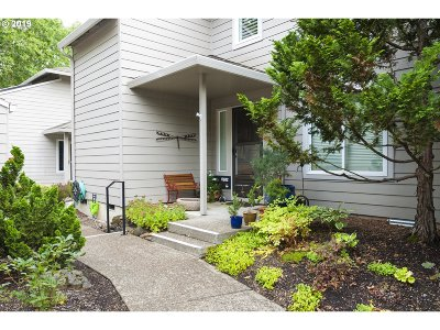 Wilsonville, Canby, Aurora Condo/Townhouse For Sale: 31724 SW Fairway Village Loop