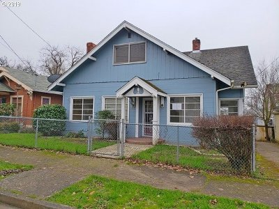 Roseburg Single Family Home For Sale: 523 SE Rice Ave