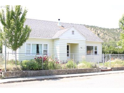 Grant County Single Family Home For Sale: 212 NW 3rd Ave