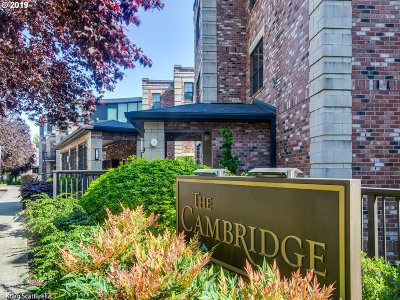 Multnomah County Condo/Townhouse For Sale: 2448 NW Westover Rd #E101