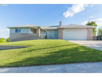 Umatilla County Single Family Home For Sale: 900 W Donna Ave