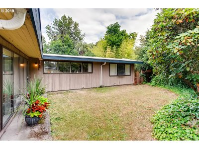 Portland Single Family Home For Sale: 13345 NW Glenridge Dr