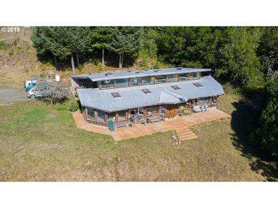Bandon Single Family Home For Sale: 85877 North Bank Ln