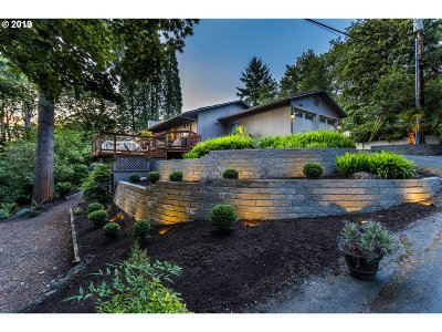 Lake Oswego Single Family Home For Sale: 2401 Glen Haven Rd