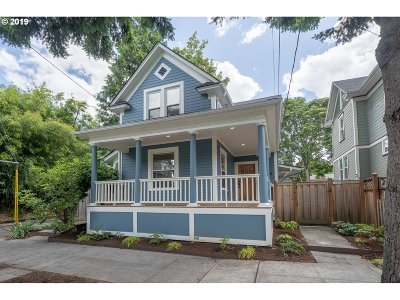 Portland Single Family Home For Sale: 3280 SE Madison St