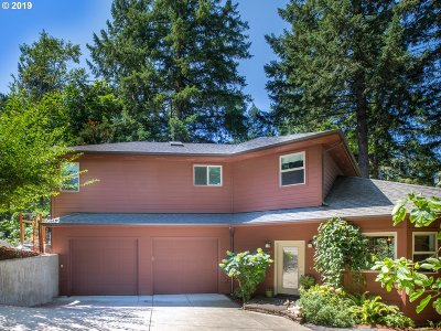 Eugene Single Family Home For Sale: 3048 Hendricks Hill Dr