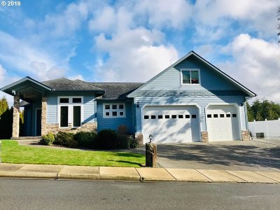 North Bend Single Family Home For Sale: 3675 Ash