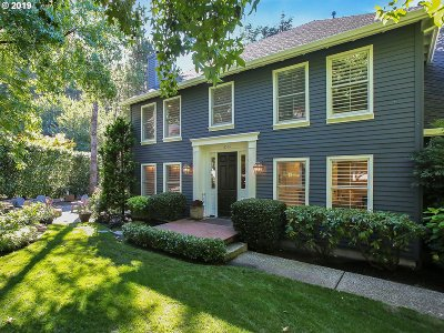 Lake Oswego Single Family Home For Sale: 15566 Village Park Ct