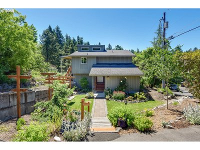 Single Family Home For Sale: 5136 SW Custer St