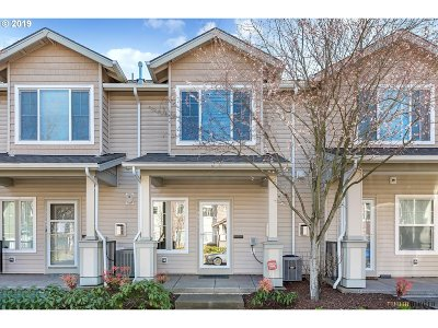 Hillsboro Condo/Townhouse For Sale: 18571 NW Gateway Pl