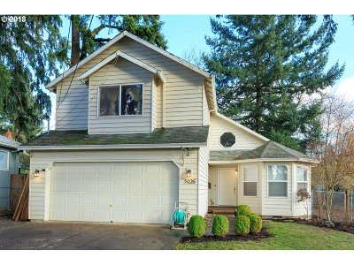 Portland Single Family Home For Sale: 5026 SE 87th Ave