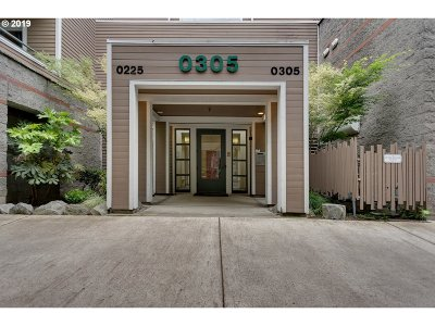 Portland Condo/Townhouse For Sale: 0305 SW Montgomery St #504