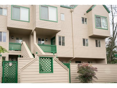 Condo/Townhouse For Sale: 2825 NW Upshur St #G