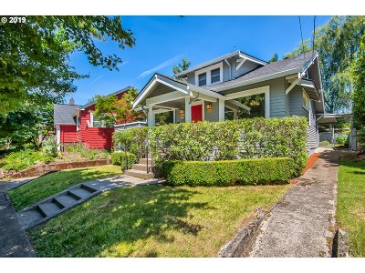 Portland Single Family Home For Sale: 3904 SE 9th Ave