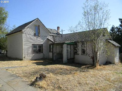 Single Family Home For Auction: 401 McCoy St