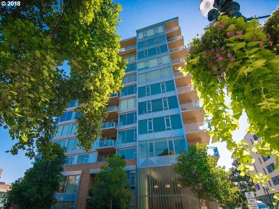 Portland Condo/Townhouse For Sale: 1930 SW River Dr #W307