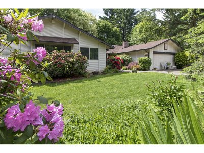 Lake Oswego Single Family Home For Sale: 19111 Indian Springs Rd