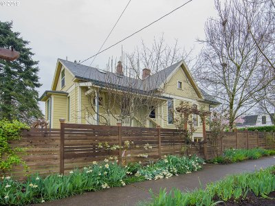 Portland Single Family Home For Sale: 6408 NE Durham Ave