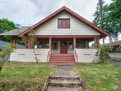 Portland Single Family Home For Sale: 6541 E Burnside St