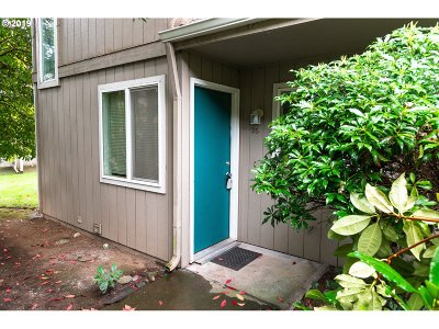 Eugene Condo/Townhouse For Sale: 1500 Norkenzie Rd #20