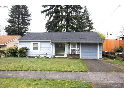 Portland Single Family Home For Sale: 6911 N Mears St