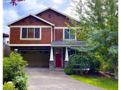 Portland Single Family Home For Sale: 592 SW Elderbrook Pl